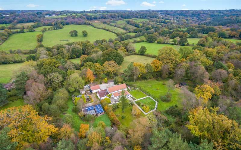 4 Bedrooms Detached House for sale in Biscombe, Taunton, Somerset, TA3