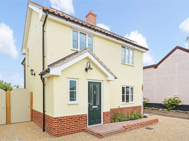 3 Bedrooms Detached House for sale in Hopton IP22