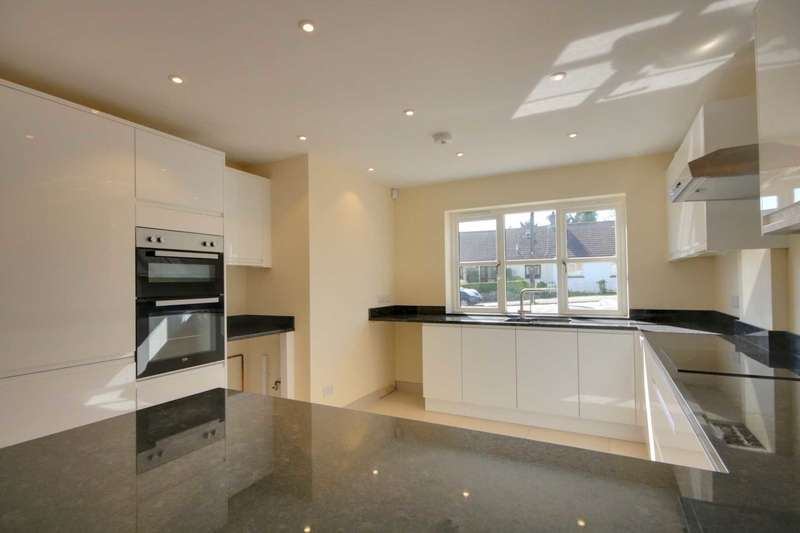 3 Bedrooms Detached House for sale in NEW HOME in SOUGHT AFTER MANOR ESTATE, HP3