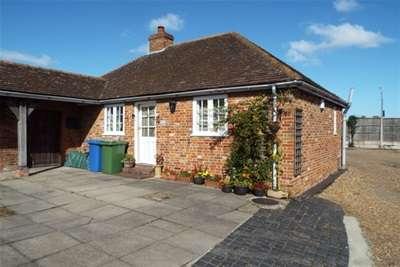1 Bedroom Cottage House for rent in Davington Hill, Faversham