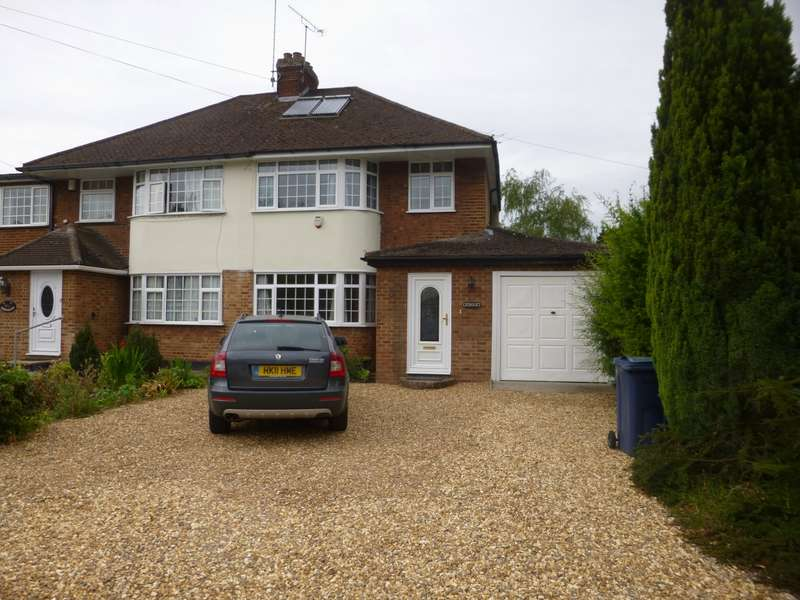 3 Bedrooms Semi Detached House for rent in Hedsor Road Bourne End