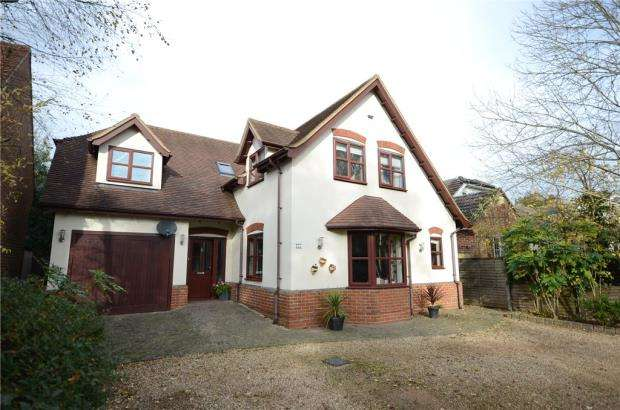 4 Bedrooms Detached House for sale in Barkham Road, Wokingham, Berkshire