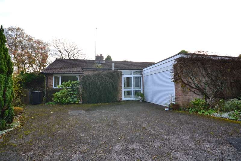 3 Bedrooms Detached Bungalow for sale in Rydal Place, Macclesfield