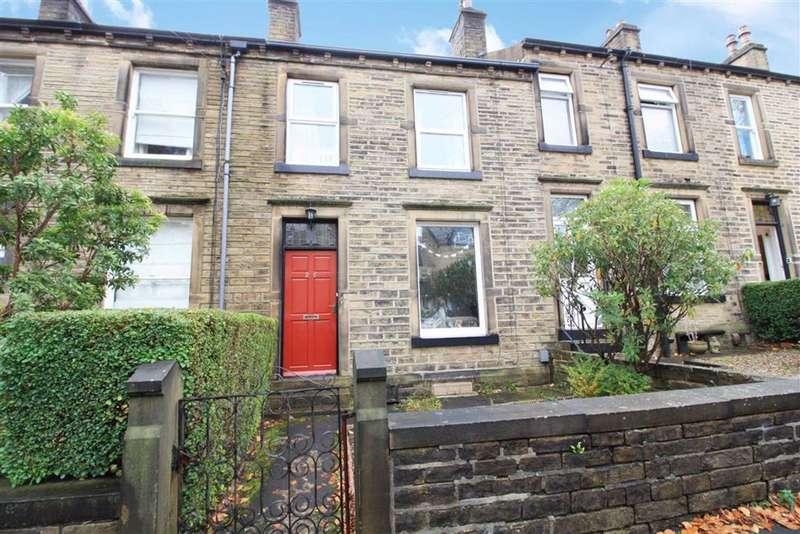 3 Bedrooms Terraced House for sale in Regent Road, Edgerton, Huddersfield