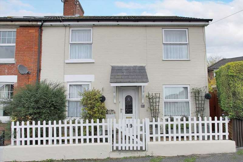 3 Bedrooms Semi Detached House for sale in Leigh Road, Andover