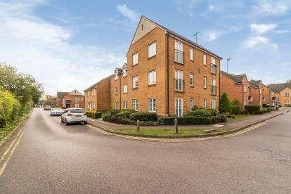 2 Bedrooms Flat for sale in Brick Kiln Road, Stevenage, Hertfordshire
