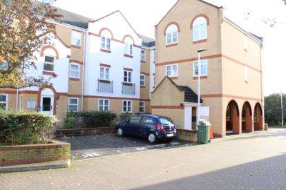 1 Bedroom Flat for sale in Beckton, London