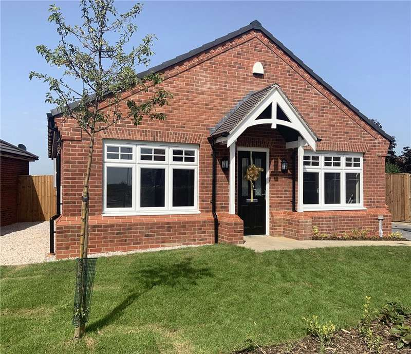 2 Bedrooms Detached Bungalow for sale in The Preesall, St Petersfield's, Preston Road, Inskip
