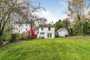 4 Bedrooms Detached House for sale in Highgate Hill, Hawkhurst, Cranbrook, Kent