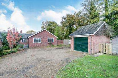 4 Bedrooms Bungalow for sale in Laxfield, Woodbridge, Suffolk
