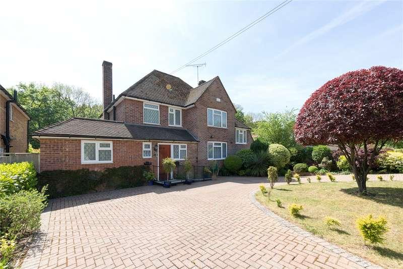 4 Bedrooms Detached House for sale in Howards Wood Drive, Gerrards Cross, Buckinghamshire, SL9