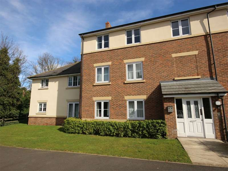 2 Bedrooms Apartment Flat for rent in The Hawthorns, Flitwick, Bedford, MK45