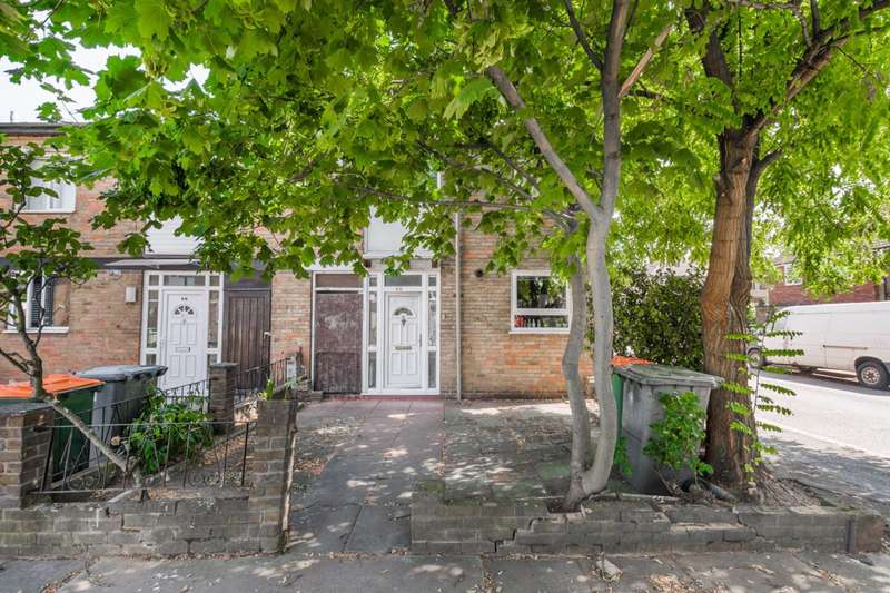 3 Bedrooms House for sale in Waddington Street, Stratford, E15