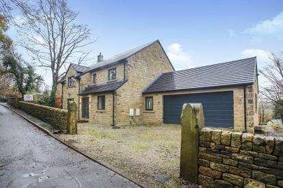 4 Bedrooms Detached House for sale in Start Lane, Whaley Bridge, High Peak, Derbyshire