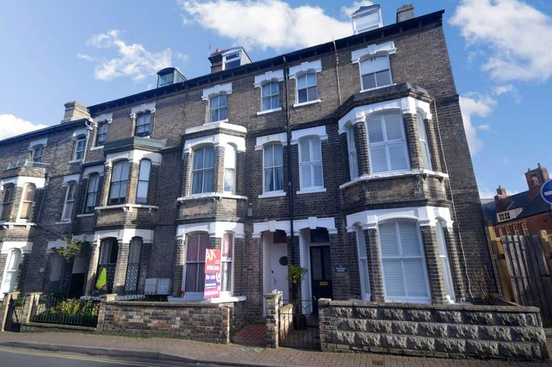 3 Bedrooms Maisonette Flat for sale in 11 Hans Place, Cromer, NR27