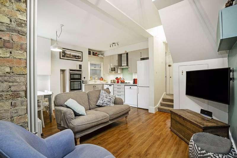 2 Bedrooms Flat for sale in Penwortham Road, Furzedown