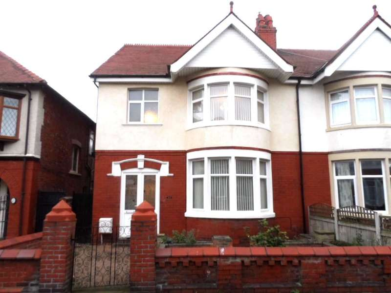 3 Bedrooms Semi Detached House for sale in Lincoln Road, Blackpool, FY1 4HB