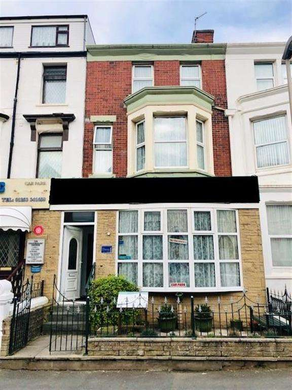 11 Bedrooms Hotel Commercial for sale in Dean Street, Blackpool, FY4 1AU