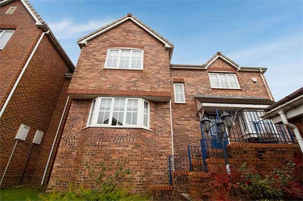 4 Bedrooms Detached House for sale in The Greenwood, Blackburn, Lancashire