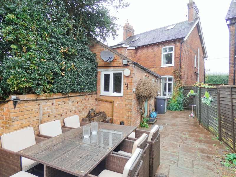 2 Bedrooms Semi Detached House for sale in Butterton Lane, Crewe, Cheshire, CW1