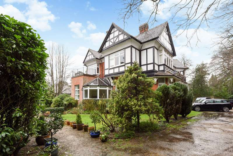 3 Bedrooms Apartment Flat for rent in Hermitage Drive, Ascot SL5