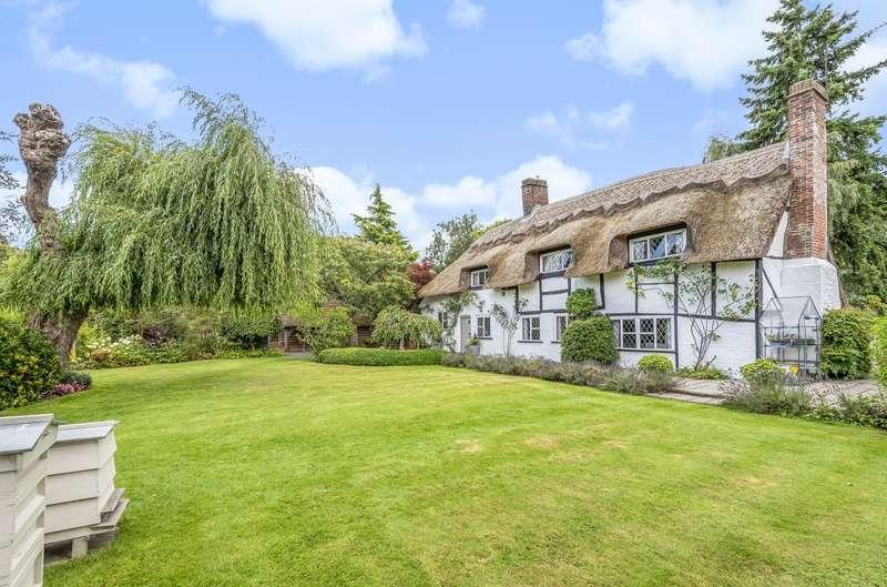 5 Bedrooms Detached House for sale in Greenhurst Lane, Thakeham, RH20