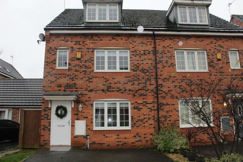 4 Bedrooms Semi Detached House for sale in Langley Beck, Widnes, Cheshire, WA8