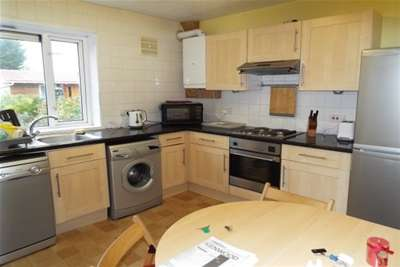 2 Bedrooms House for rent in Burrow Road, Chigwell, IG7 - AVAILABLE WITH ZERO DEPOSIT OPTION