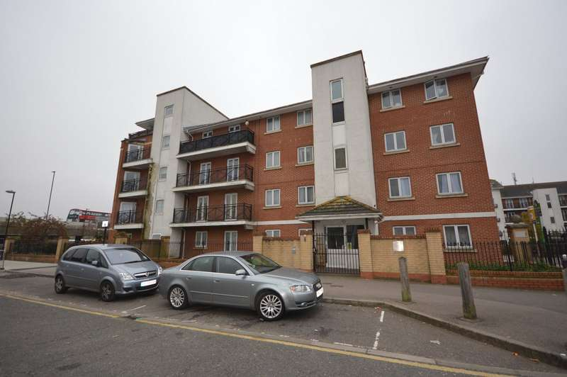 2 Bedrooms Apartment Flat for sale in Chantry Close, London, SE2