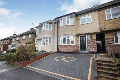 3 Bedrooms Terraced House for sale in Browning Road, Luton, Bedfordshire