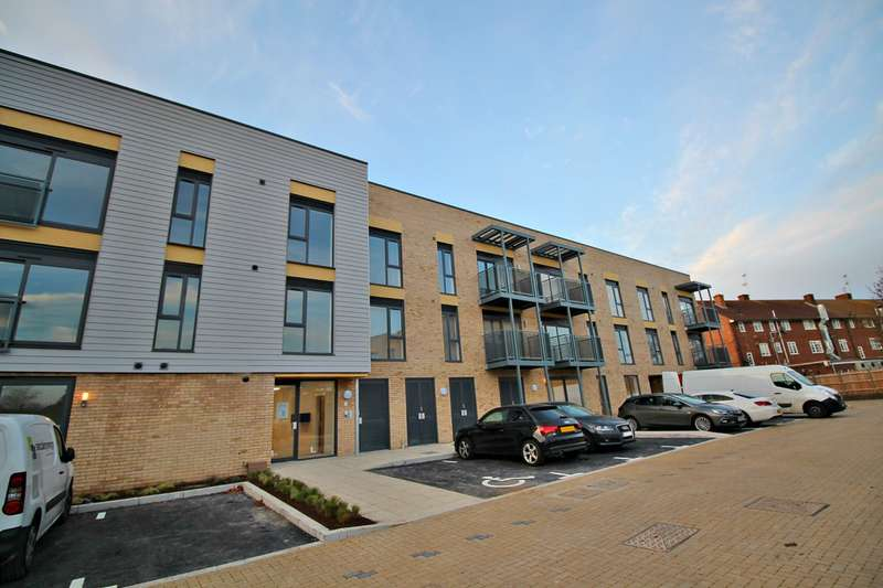 2 Bedrooms Apartment Flat for rent in Allwoods Place, Hampden Road, Hitchin, SG4