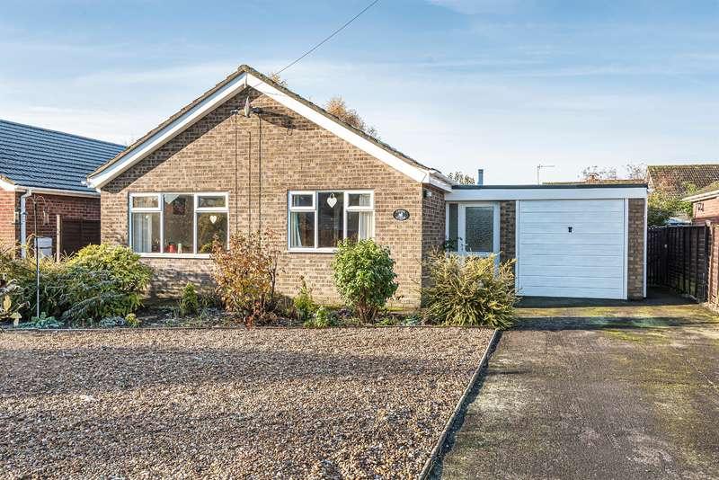 3 Bedrooms Detached Bungalow for sale in Elmhirst Road, Horncastle, Lincs, LN9 5AT