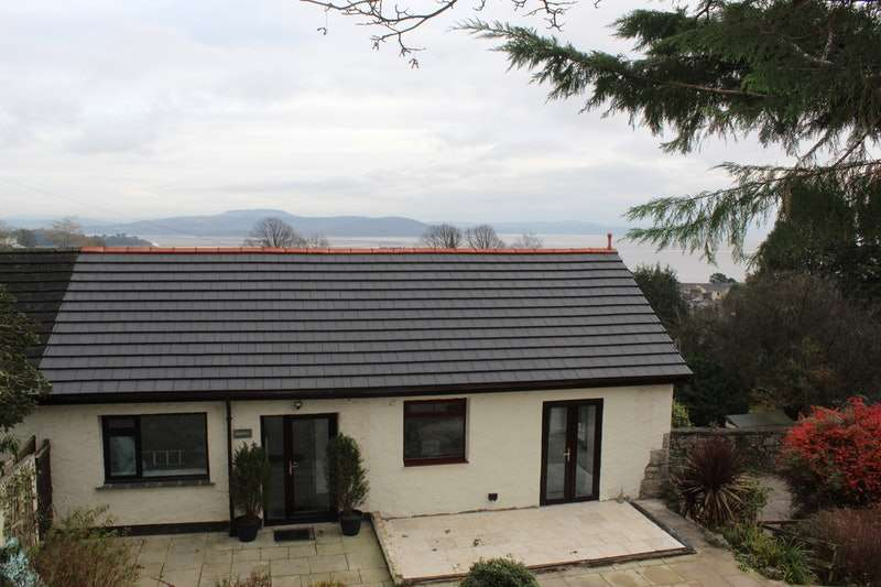 2 Bedrooms Bungalow for sale in Hardcragg Way, Grange-Over-Sands, Cumbria, LA11