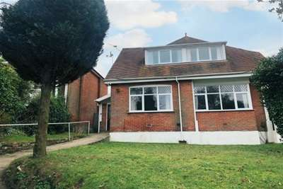 6 Bedrooms Chalet House for rent in CRESCENT ROAD, POOLE