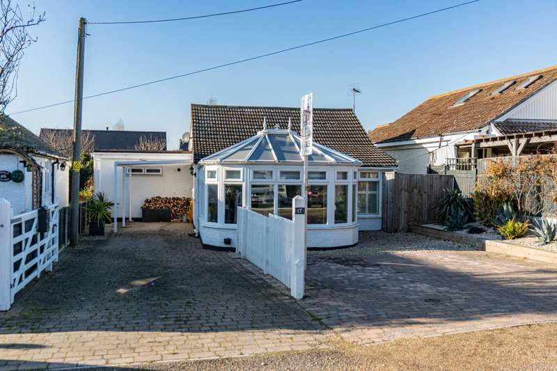 2 Bedrooms Detached House for sale in Hodgson Road, Whitstable, CT5