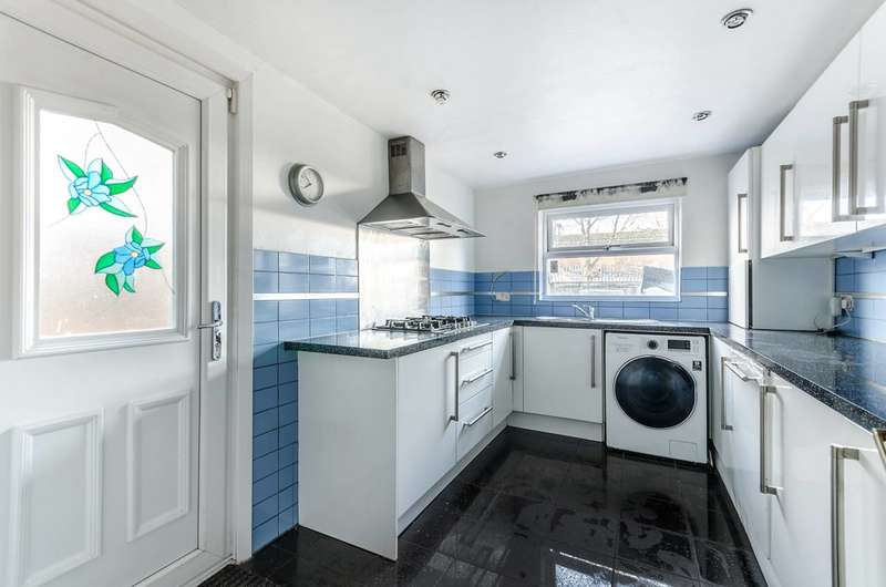 3 Bedrooms Terraced House for rent in Carshalton Road, Mitcham, CR4
