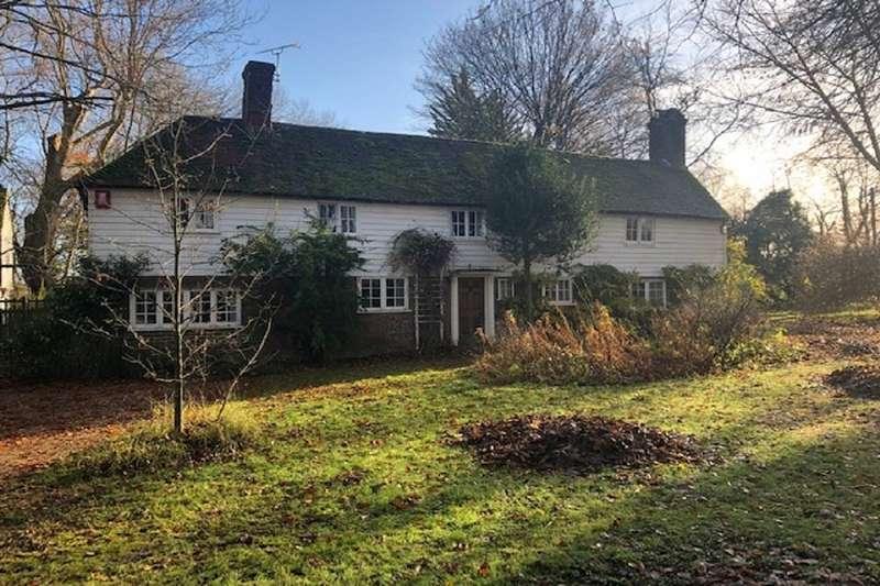 Detached House for sale in Wittersham Road, Peasmarsh, Rye, East Sussex, TN31
