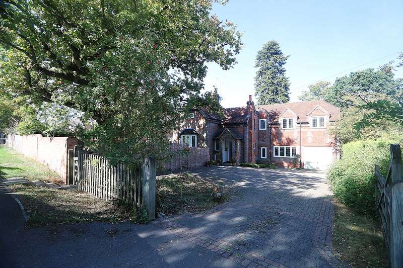 5 Bedrooms Detached House for sale in Set in the highly sought after- OakTree Road, Tilehurst
