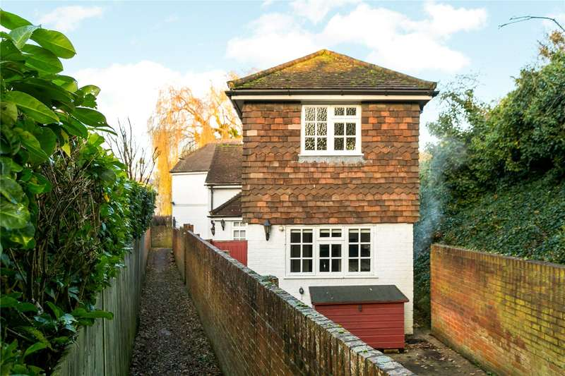2 Bedrooms Semi Detached House for sale in Sutton Road, Cookham, Maidenhead, Berkshire, SL6
