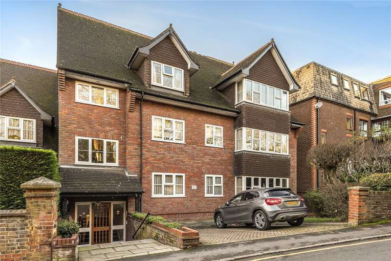 2 Bedrooms Apartment Flat for sale in The Grange, Chorleywood Close, Rickmansworth, Hertfordshire, WD3