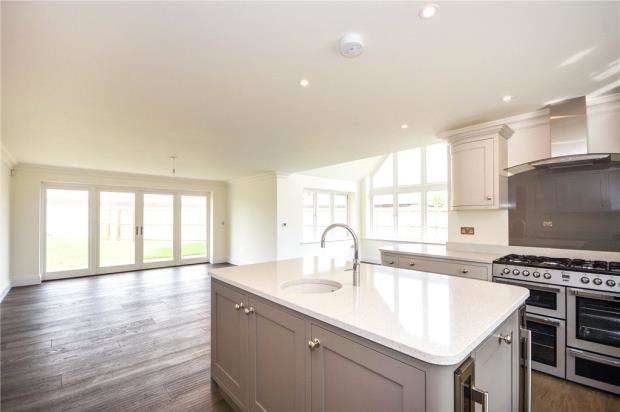 5 Bedrooms Detached House for sale in Great Tey Road, Little Tey, Colchester