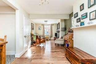 3 Bedrooms Semi Detached House for sale in Napier Road, Tunbridge Wells, Kent, .