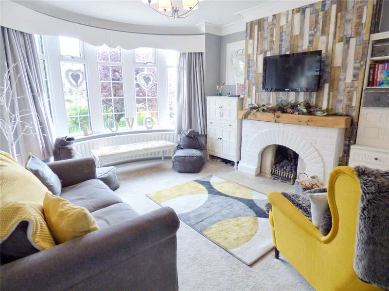 3 Bedrooms Detached House for sale in Burnley Road, Bacup, Lancashire, OL13