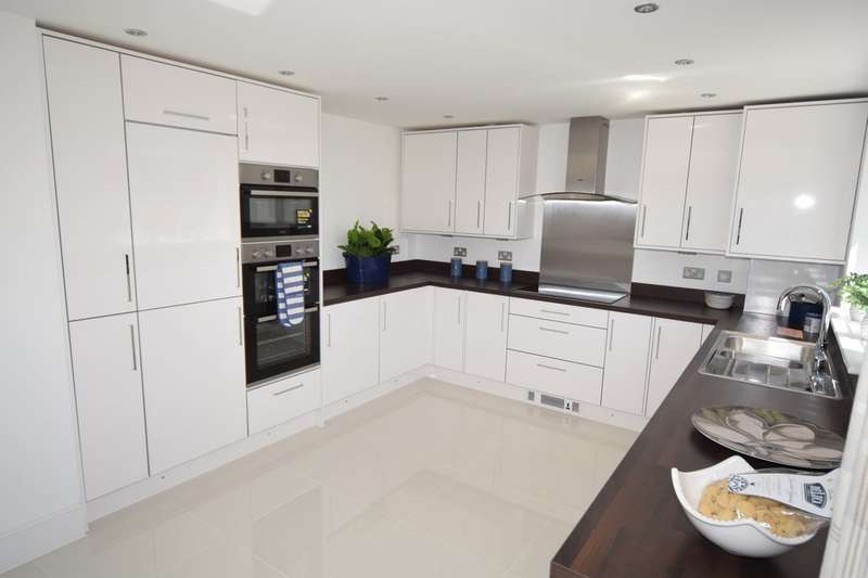 4 Bedrooms Detached House for sale in Plot 28, Thorncliffe Road, Barrow In Furness