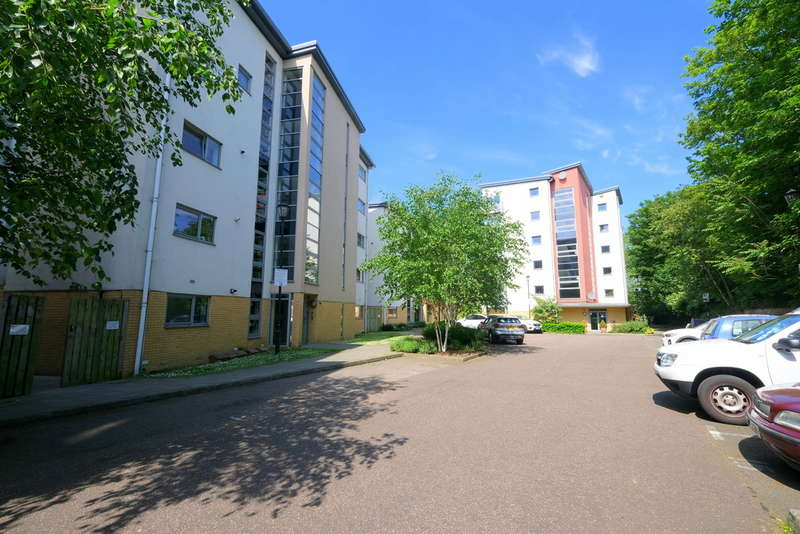 2 Bedrooms Flat for sale in Curness Street, Lewisham