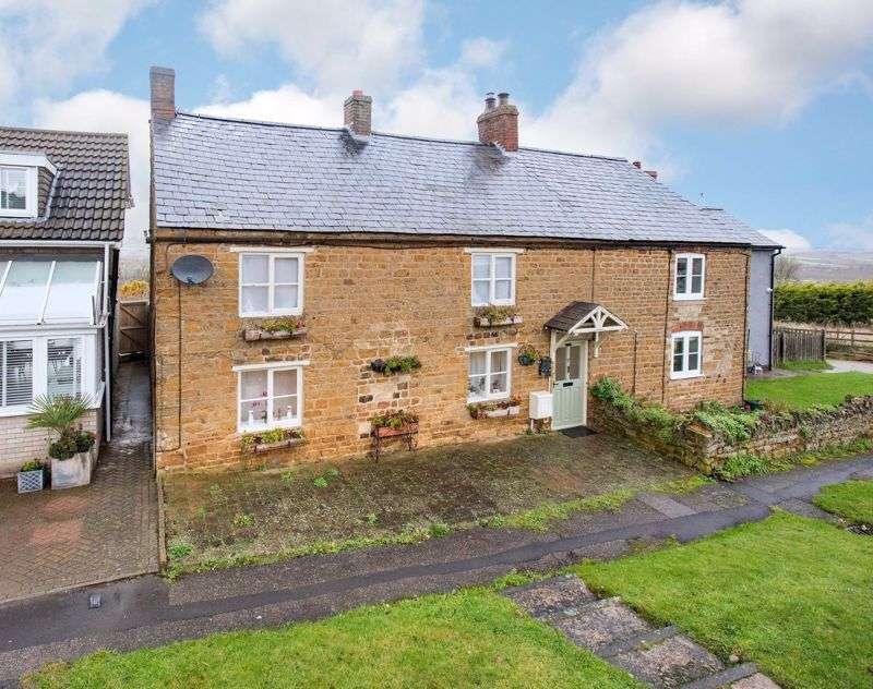 3 Bedrooms Property for sale in Rockingham Road, Cottingham