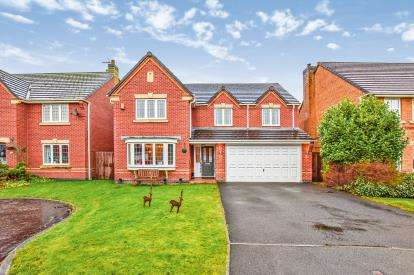 5 Bedrooms Detached House for sale in Hawthorn Close, Whalley, Clitheroe, Lancashire