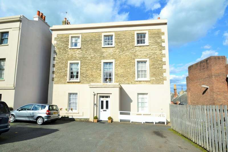 1 Bedroom Flat for sale in Market Street, Ryde