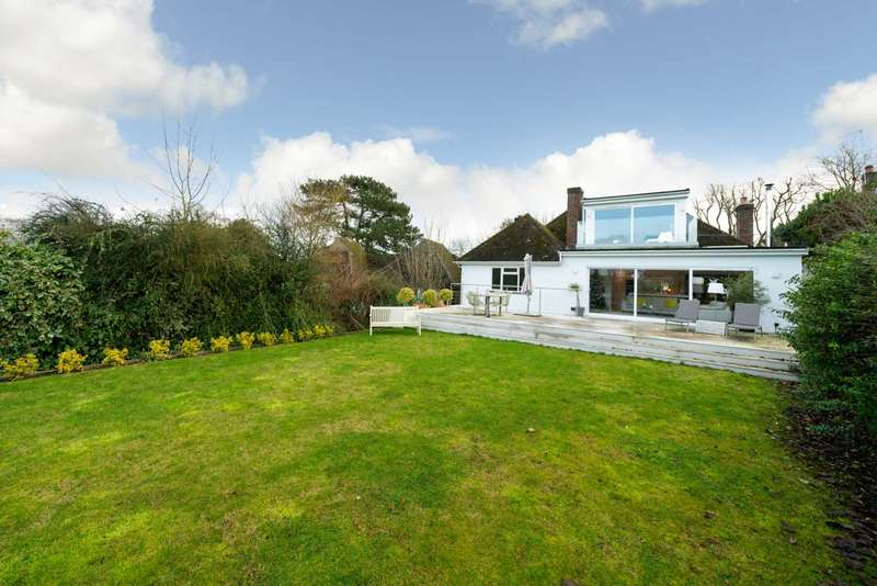 4 Bedrooms Detached House for sale in BERKHAMSTED OUTSKIRTS - HAMLET LOCATION