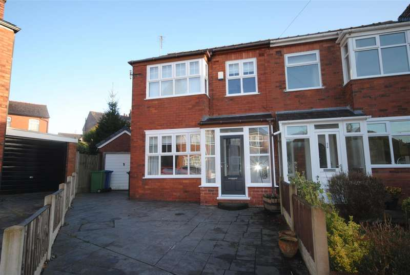 4 Bedrooms Semi Detached House for sale in Inglewhite Crescent, Swinley, Wigan.